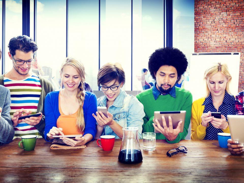 כיצד SMS יכול לעזור לעסק שלי?